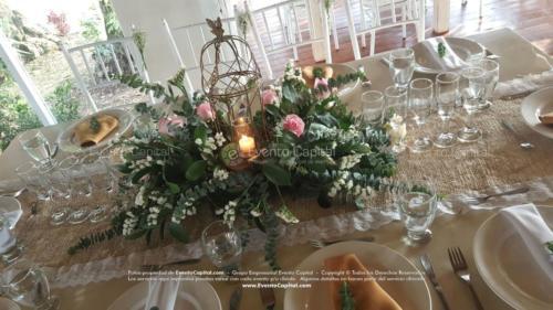 boda mesa vintage madera tiffany blanca camino yute (1)