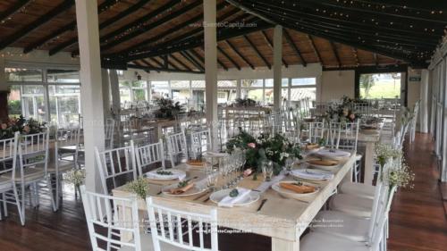 boda mesa vintage madera tiffany blanca camino yute (4)