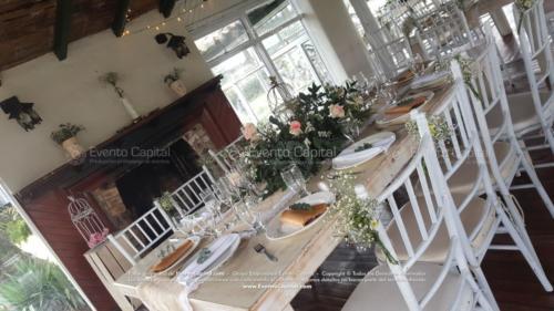 boda mesa vintage madera tiffany blanca camino yute (5)