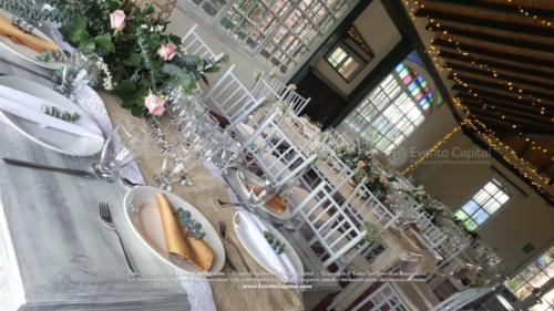 boda mesa vintage madera tiffany blanca camino yute (6)