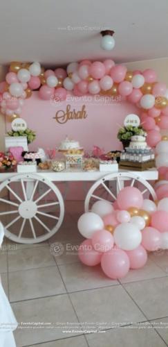 mesa postres carreta arco globos rosado (10)
