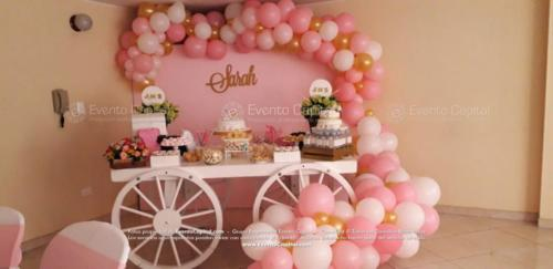 mesa postres carreta arco globos rosado (11)