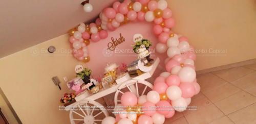 mesa postres carreta arco globos rosado (12)