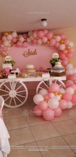 mesa postres carreta arco globos rosado (9)