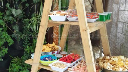 Mesa pasabocas Dulces Gomas Confiteria montaje escalera (2)